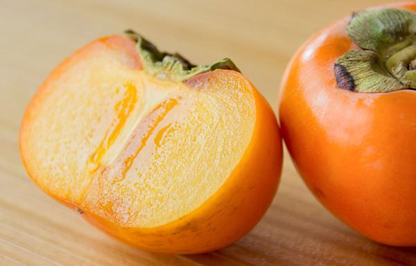 医者が青くなる?神の果物「柿」